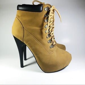 Shoes - Heeled bootie women's size 7 work boot style tan